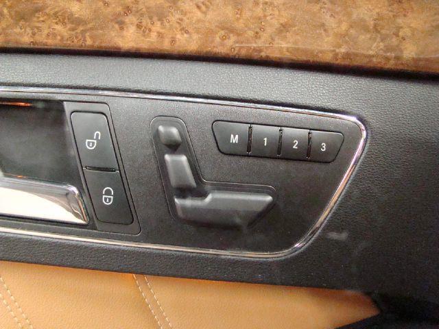 2011 Mercedes-Benz E-Class E350 4Matic PREMIUM NAVIGATION - Batavia IL