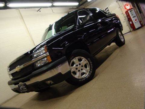 2004 Chevrolet Avalanche for sale at Luxury Auto Finder in Batavia IL