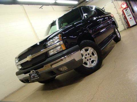 2003 Chevrolet Avalanche for sale at Luxury Auto Finder in Batavia IL