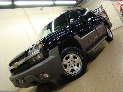 2002 Chevrolet Avalanche for sale at Luxury Auto Finder in Batavia IL