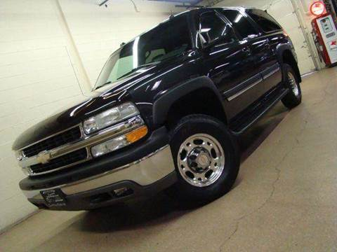 2004 Chevrolet Suburban for sale at Luxury Auto Finder in Batavia IL