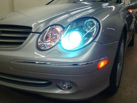 2005 Mercedes-Benz CLK-Class for sale at Luxury Auto Finder in Batavia IL