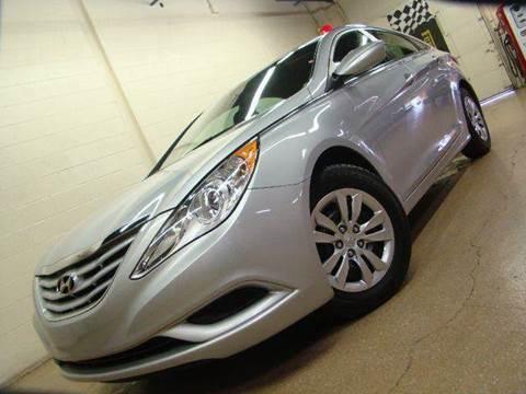 2013 Hyundai Sonata for sale at Luxury Auto Finder in Batavia IL