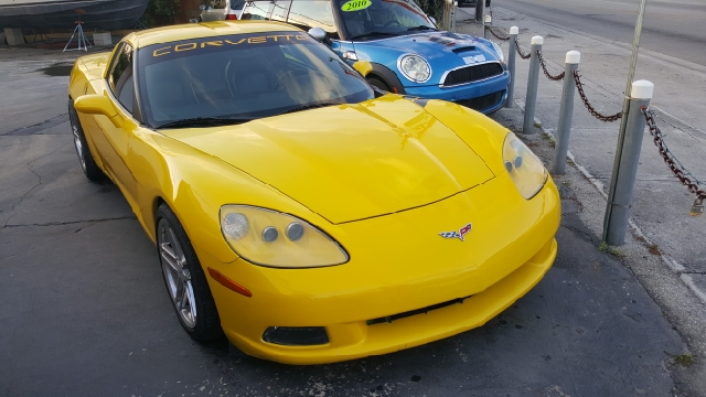 2005 Chevrolet Corvette for sale at Global Motors in Hialeah FL
