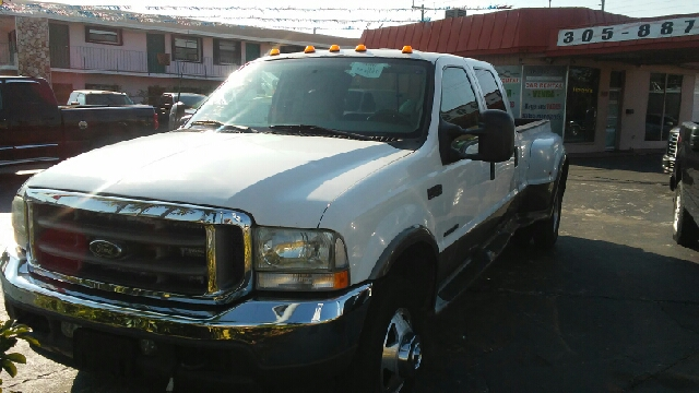 2003 Ford F-350 Super Duty for sale at Global Motors in Hialeah FL