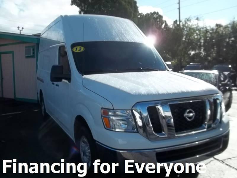 Nissan NV Cargo 2013 2500 HD SV 3dr Cargo Van w/High Roof (V6)