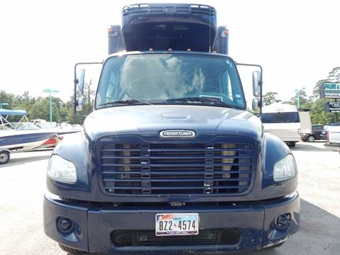 2005 Freightliner Business class M2