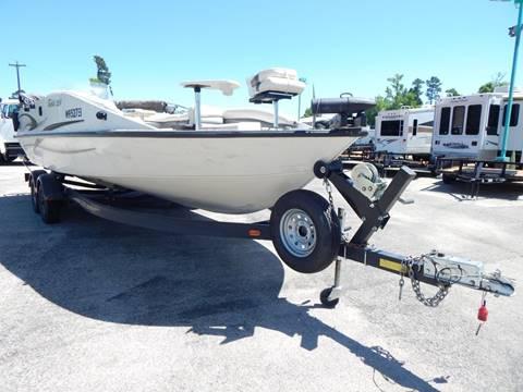 2005 LOWE TAHITI 224 Aluminum Deck Boat for sale in Conroe, TX