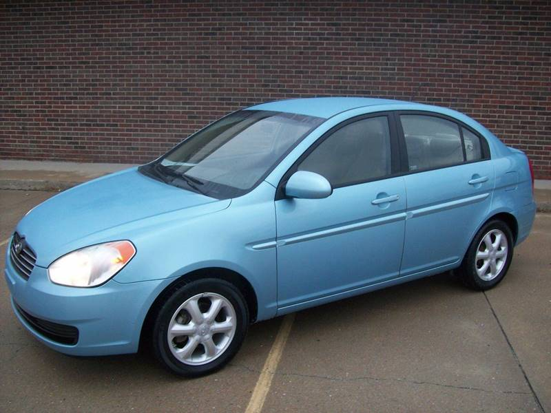 2008 Hyundai Accent for sale at Cliff Bland & Sons Used Cars in El Dorado Spg MO