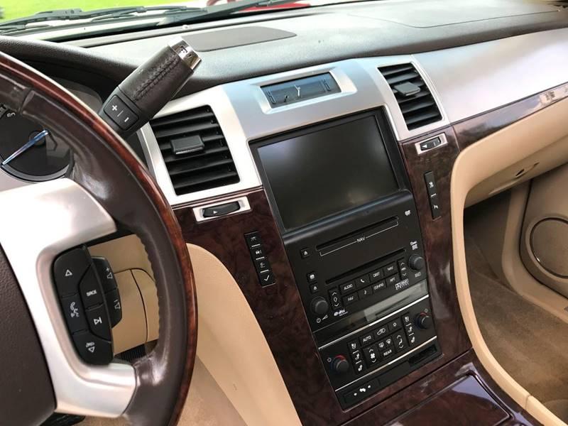 2009 Cadillac Escalade AWD 4dr SUV w/V8 Ultra Luxury Collection - Winston-Salem NC