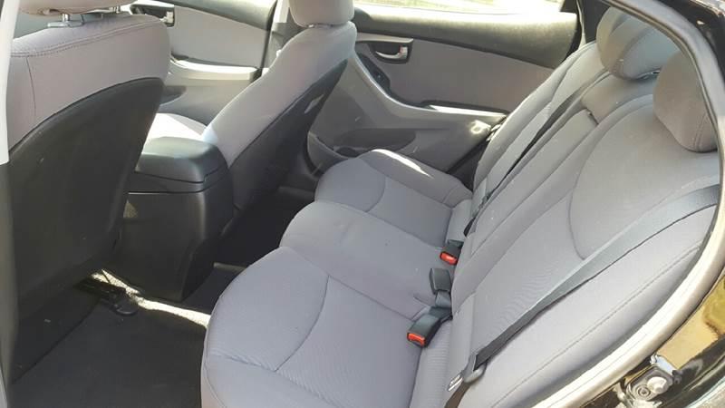 2014 Hyundai Elantra SE 4dr Sedan - Ludlow MA