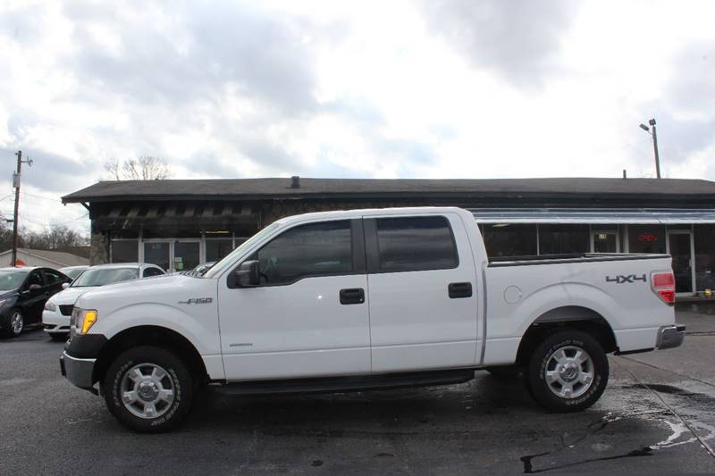 2014 Ford F150 4x4 XL 4dr SuperCrew Styleside 55 ft SB In