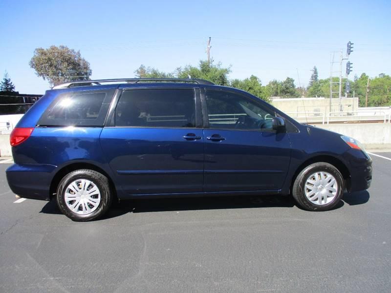 2006 Toyota Sienna CE 7-Passenger 4dr Mini-Van - Belmont CA