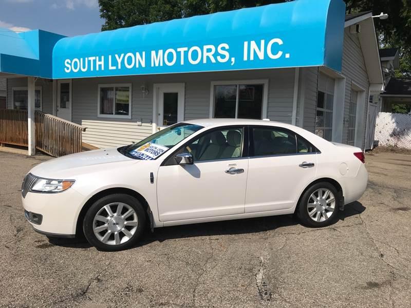 2011 Lincoln MKZ for sale at South Lyon Motors INC in South Lyon MI
