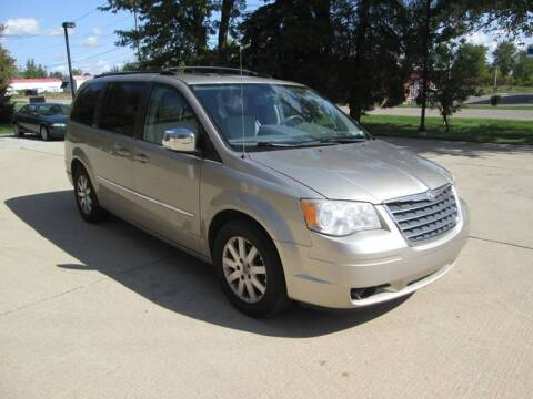 2009 Chrysler Town and Country for sale in Bruce Township, MI
