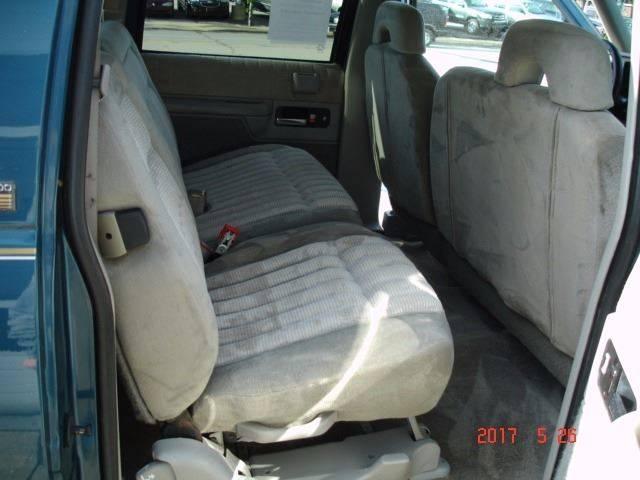 1994 Chevrolet Suburban C1500 4dr SUV - Eastlake OH
