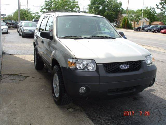 2005 Ford Escape AWD XLT 4dr SUV - Eastlake OH