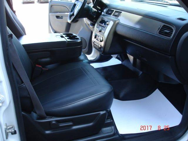 2011 Chevrolet Suburban 4x4 Fleet 2500 4dr SUV - Eastlake OH