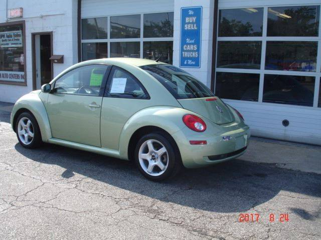 2010 Volkswagen New Beetle 2dr Coupe 6A - Eastlake OH