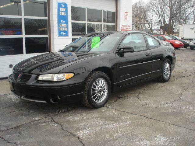 2001 Pontiac Grand Prix for sale at JPH Auto Sales in Eastlake OH