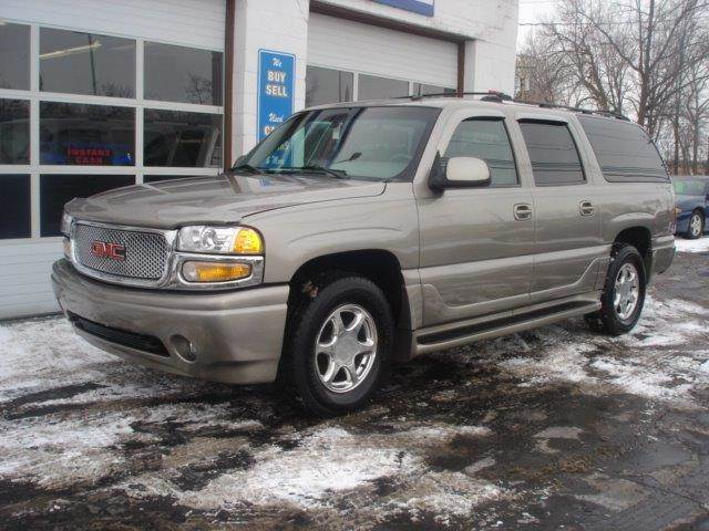 2002 GMC Yukon XL for sale at JPH Auto Sales in Eastlake OH