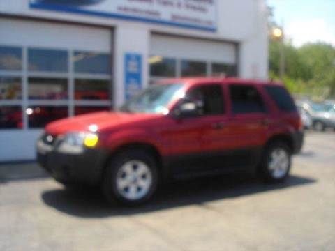 2005 Ford Escape for sale at JPH Auto Sales in Eastlake OH