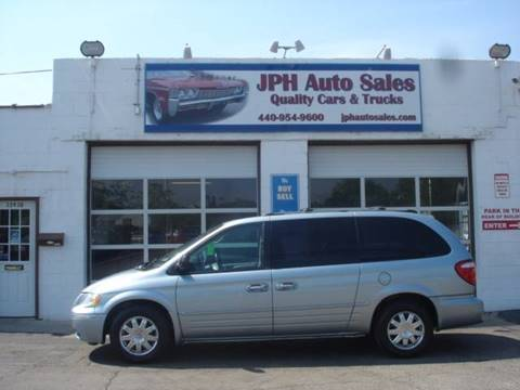 2005 Chrysler Town and Country for sale in Eastlake, OH