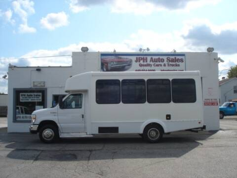 2013 Ford E-Series Chassis for sale at JPH Auto Sales in Eastlake OH