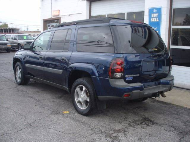 2004 Chevrolet TrailBlazer EXT LS 4WD 4dr SUV - Eastlake OH