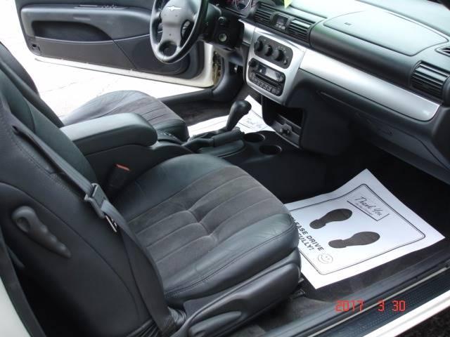 2005 Chrysler Sebring Touring 2dr Convertible - Eastlake OH