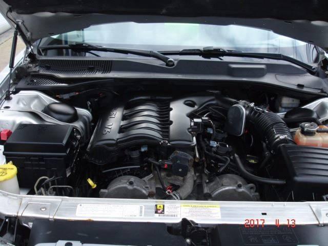 2009 Chrysler 300 Touring 4dr Sedan - Eastlake OH