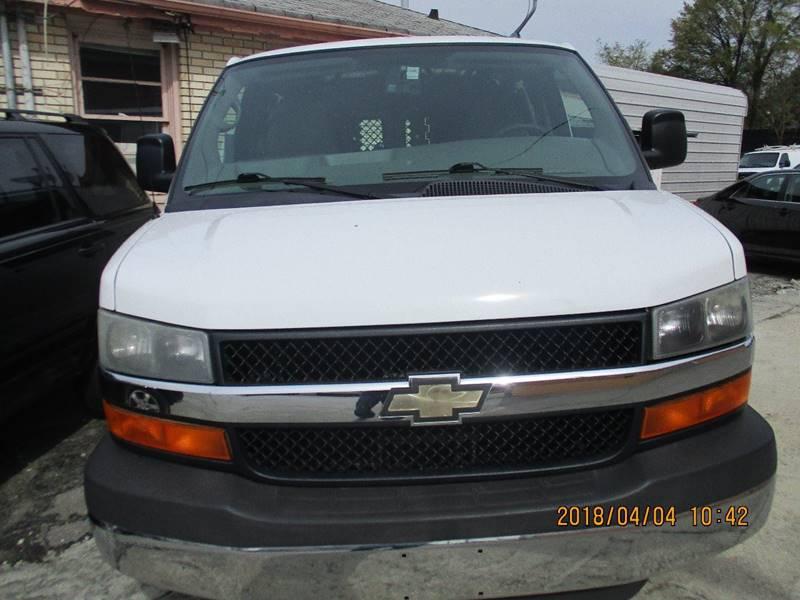 Chevrolet Express Cargo 2010 2500 3dr Cargo Van w/ 1WT