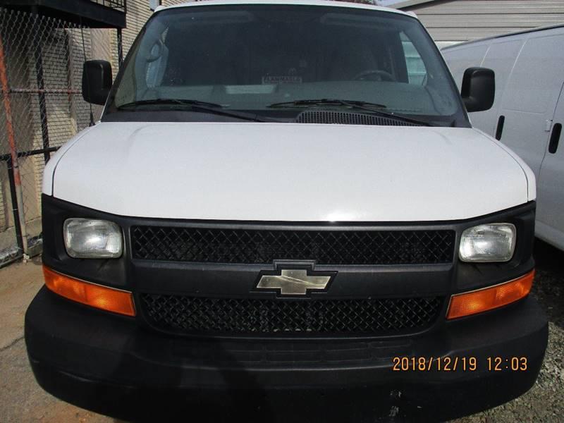 Chevrolet Express Cargo 2013 2500 3dr Cargo Van w/ 1WT