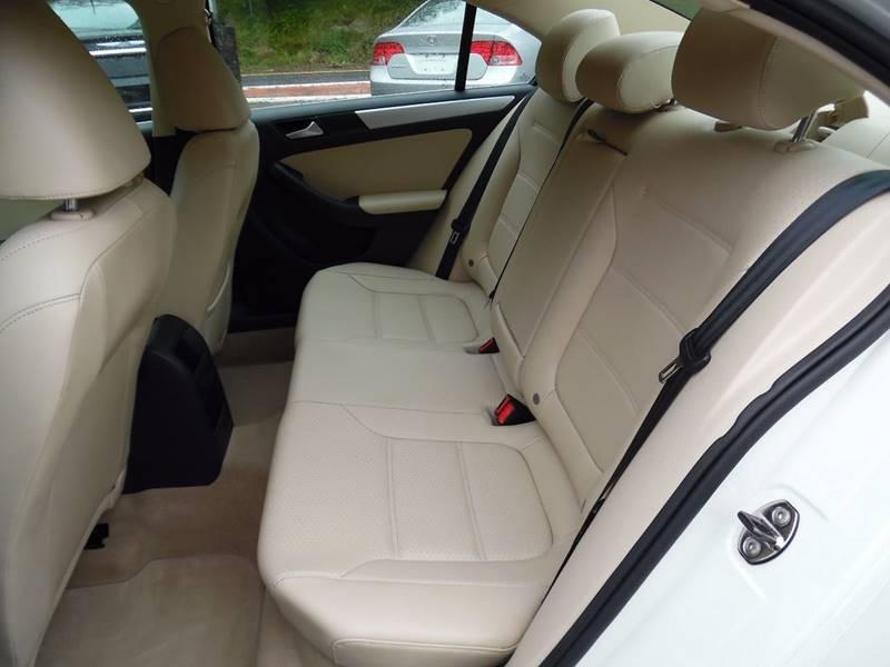 2013 Volkswagen Jetta SE PZEV 4dr Sedan 6A - Hopedale MA
