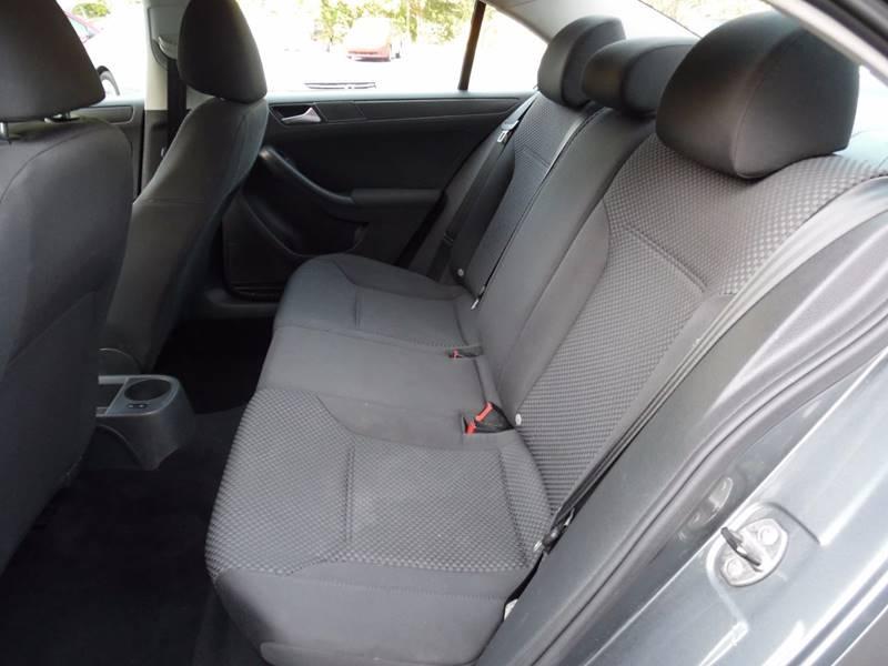 2012 Volkswagen Jetta S 4dr Sedan 6A - Hopedale MA