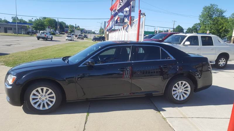 2012 Chrysler 300 Detroit Used Car for Sale