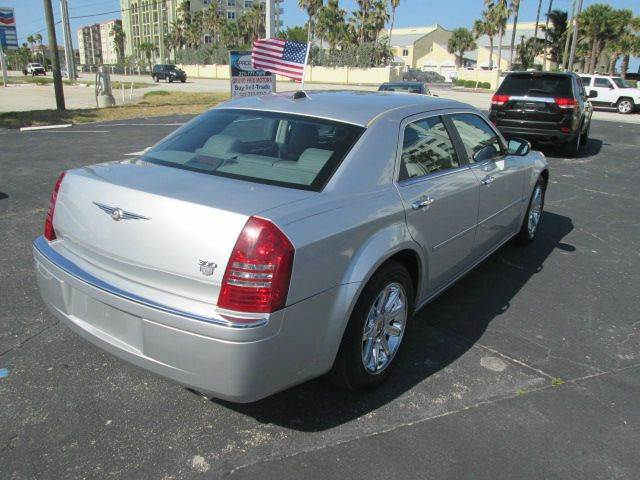 2005 Chrysler 300 C 4dr Sedan - Satellite Beach FL