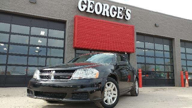 2013 DODGE AVENGER SE 4DR SEDAN black clearcoat carfax 2 owners and no accidents with the saving