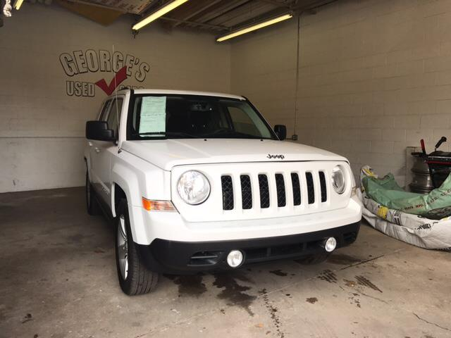 2014 JEEP PATRIOT LATITUDE 4DR SUV white carfax 1 owner and no accidents cloth wow what a swee