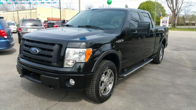 2009 FORD F-150 FX4 4X4 4DR SUPERCREW STYLESIDE black carfax 1 owner and no accidents 4wd this
