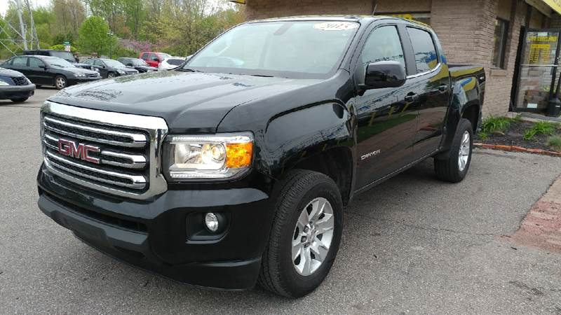 2015 GMC CANYON SLE 4X4 4DR CREW CAB 5 FT SB onyx black carfax 1 owner and no accidents 4wd bri
