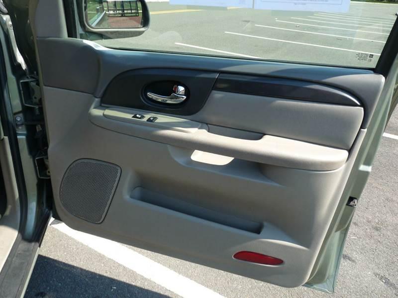 2004 GMC Envoy SLE 4WD 4dr SUV - Roselle NJ