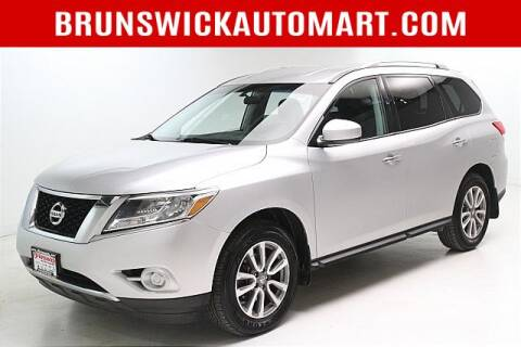 2016 Nissan Pathfinder for sale at Brunswick Auto Mart in Brunswick OH