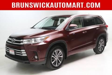 2017 Toyota Highlander for sale at Brunswick Auto Mart in Brunswick OH