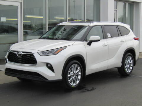 2020 Toyota Highlander for sale at Brunswick Auto Mart in Brunswick OH