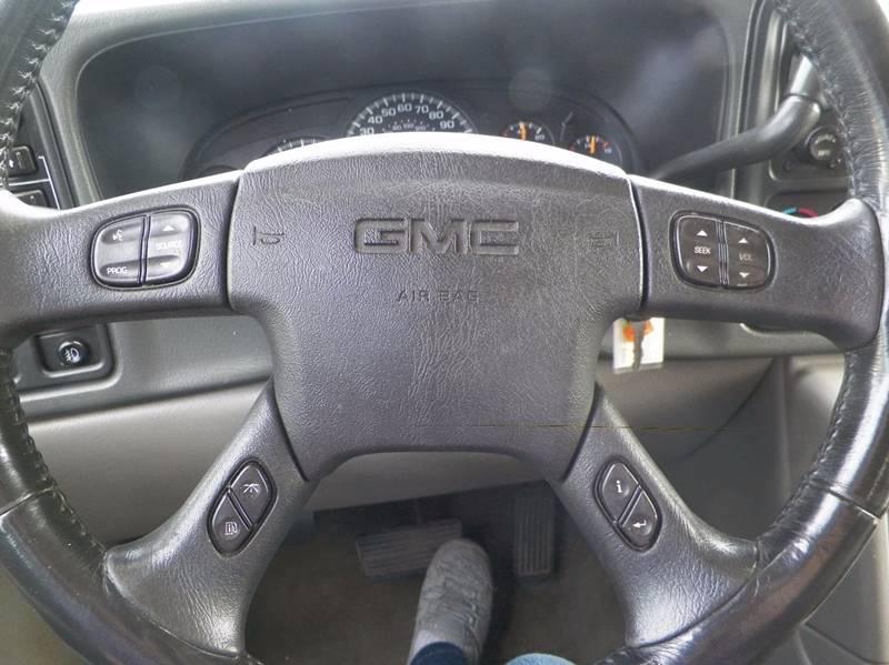 2005 GMC Yukon XL 1500 SLE 4WD 4dr SUV - Imlay City MI