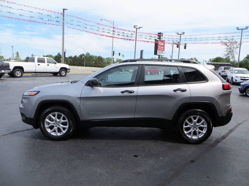 2015 Jeep Cherokee for sale at B & M Auto Sales Inc. in Oak Forest IL