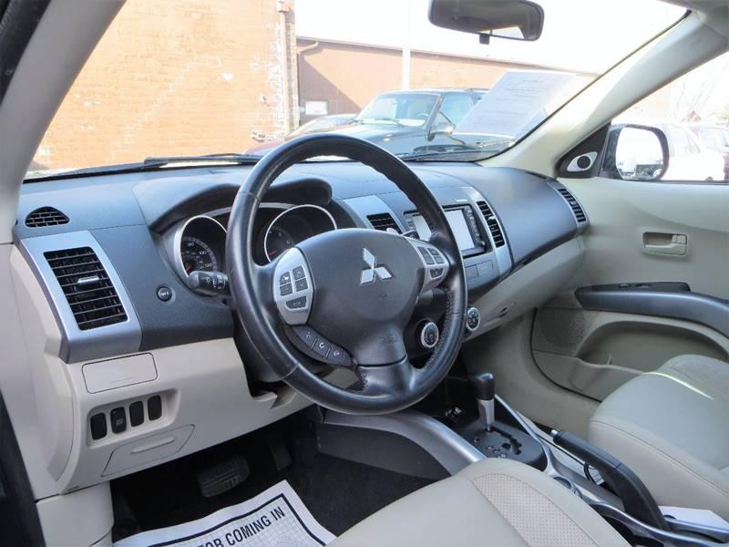 2007 Mitsubishi Outlander for sale at B & M Auto Sales Inc. in Oak Forest IL