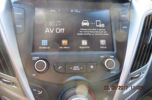 2017 Hyundai Veloster 3dr Coupe 6M w/Black Seats - Willowick OH