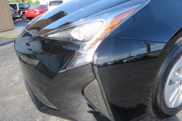 2017 Toyota Prius Two 4dr Hatchback - Willowick OH